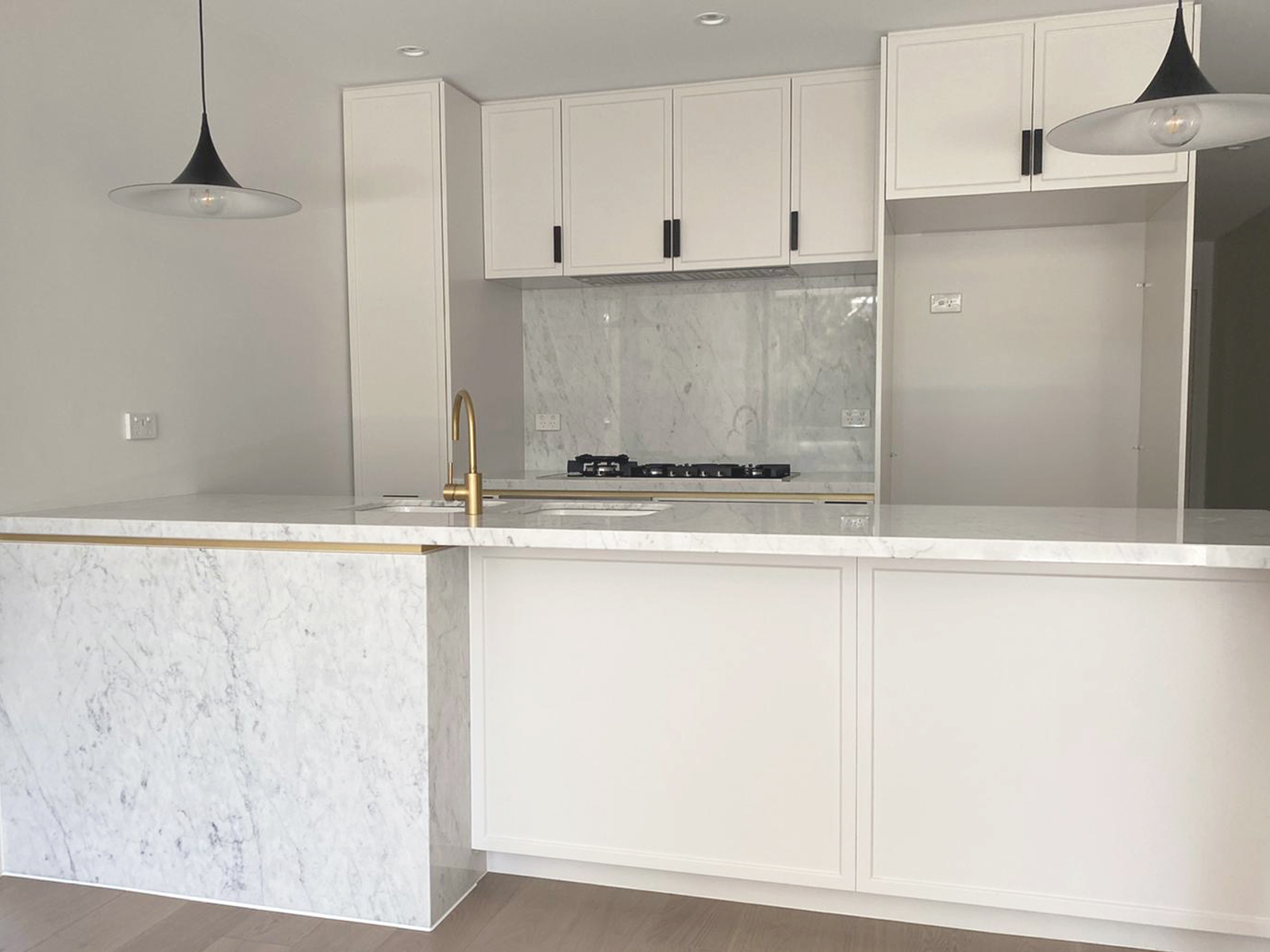 White Kitchen Splashbacks by Instyle Wardrobes